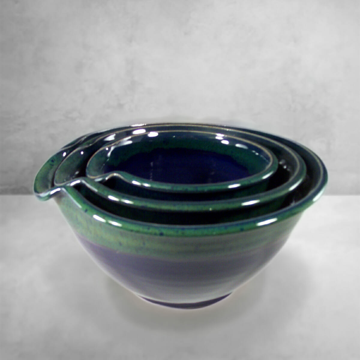 Mixing Bowl 3-pc. Set Smooth Design in Dark Blue and Green Glaze.