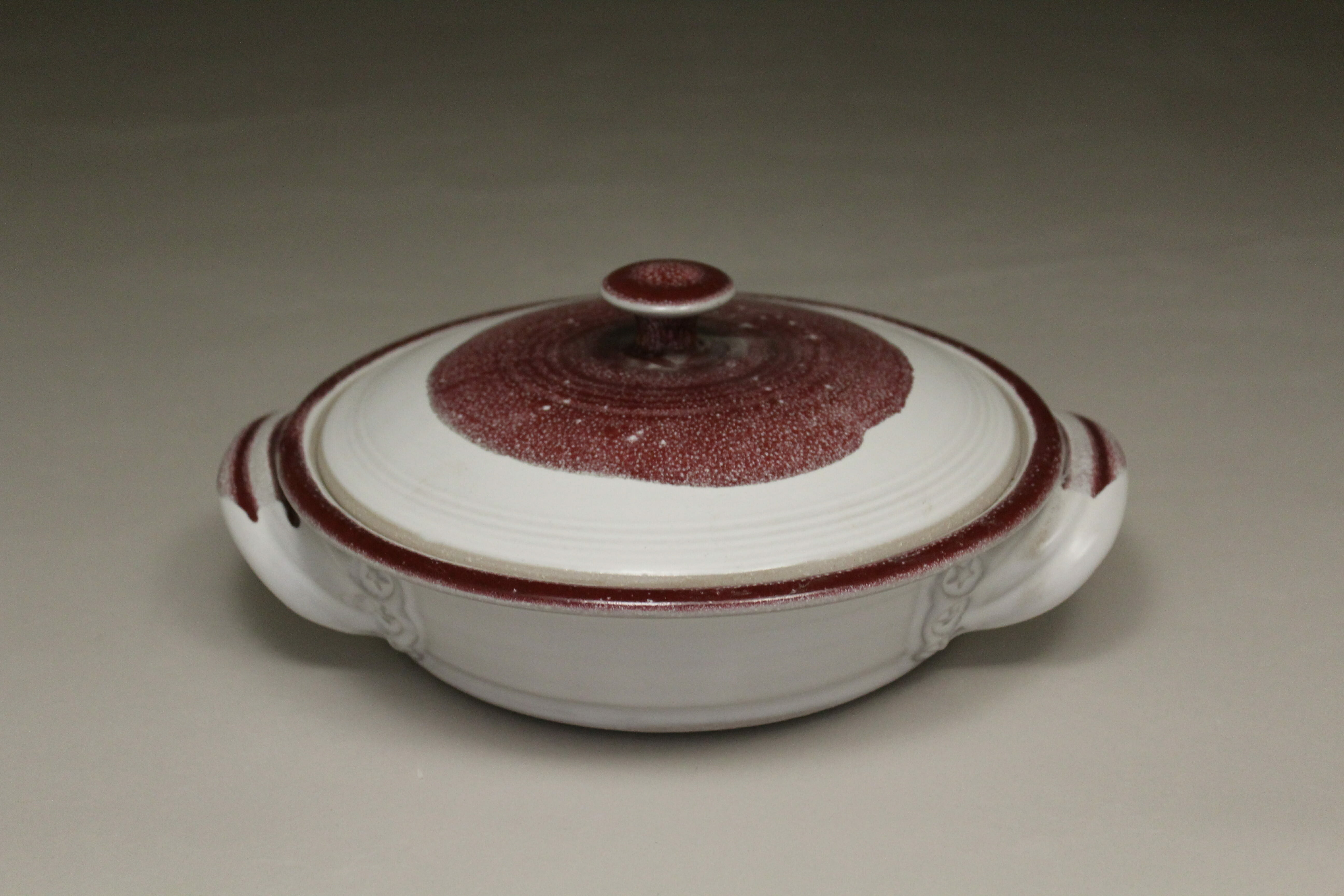 Tortilla Warmer Smooth Design in White and Red Glaze