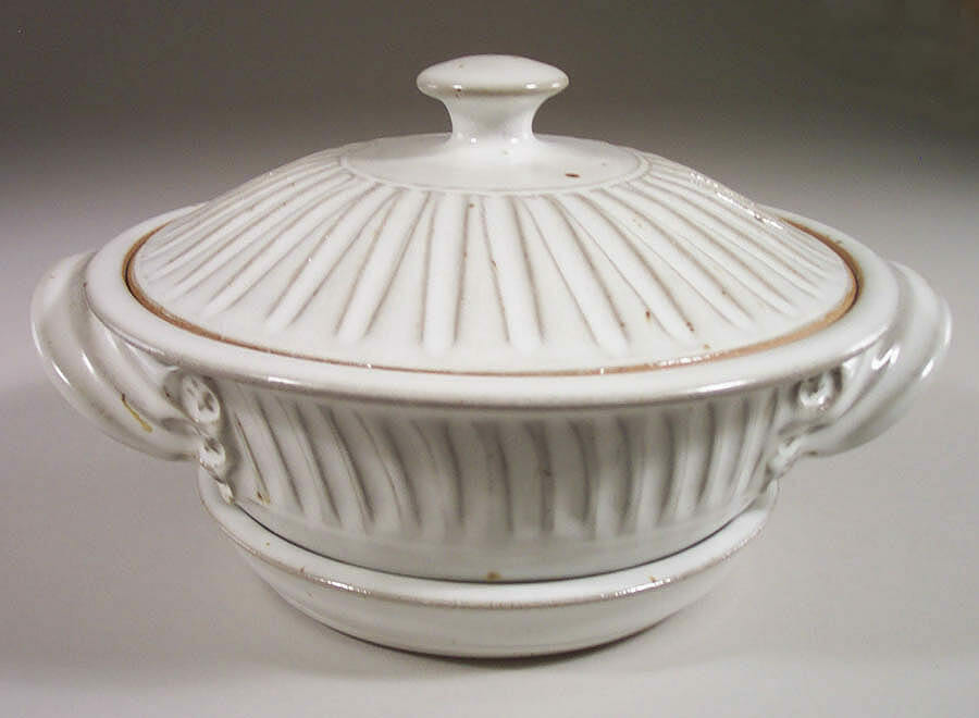 Microwave Vegetable Steamer Fluted Design in White Glaze