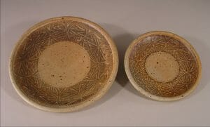Slip Design Dinner Plate and Small Plate