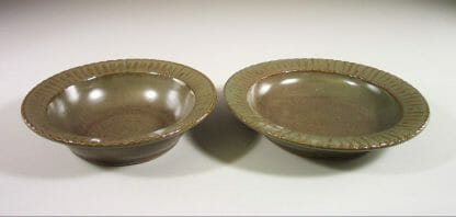 Salad Bowl (left) and Pasta Bowl (right)