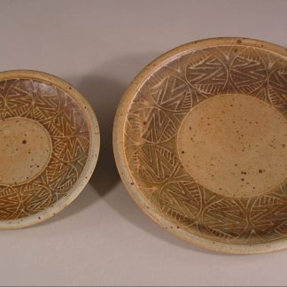 Slip Design 1 Small Plate and Dinner Plate
