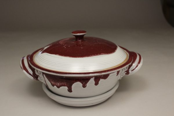 Microwave Vegetable Steamer with Lid Smooth Design in White and Red Glaze